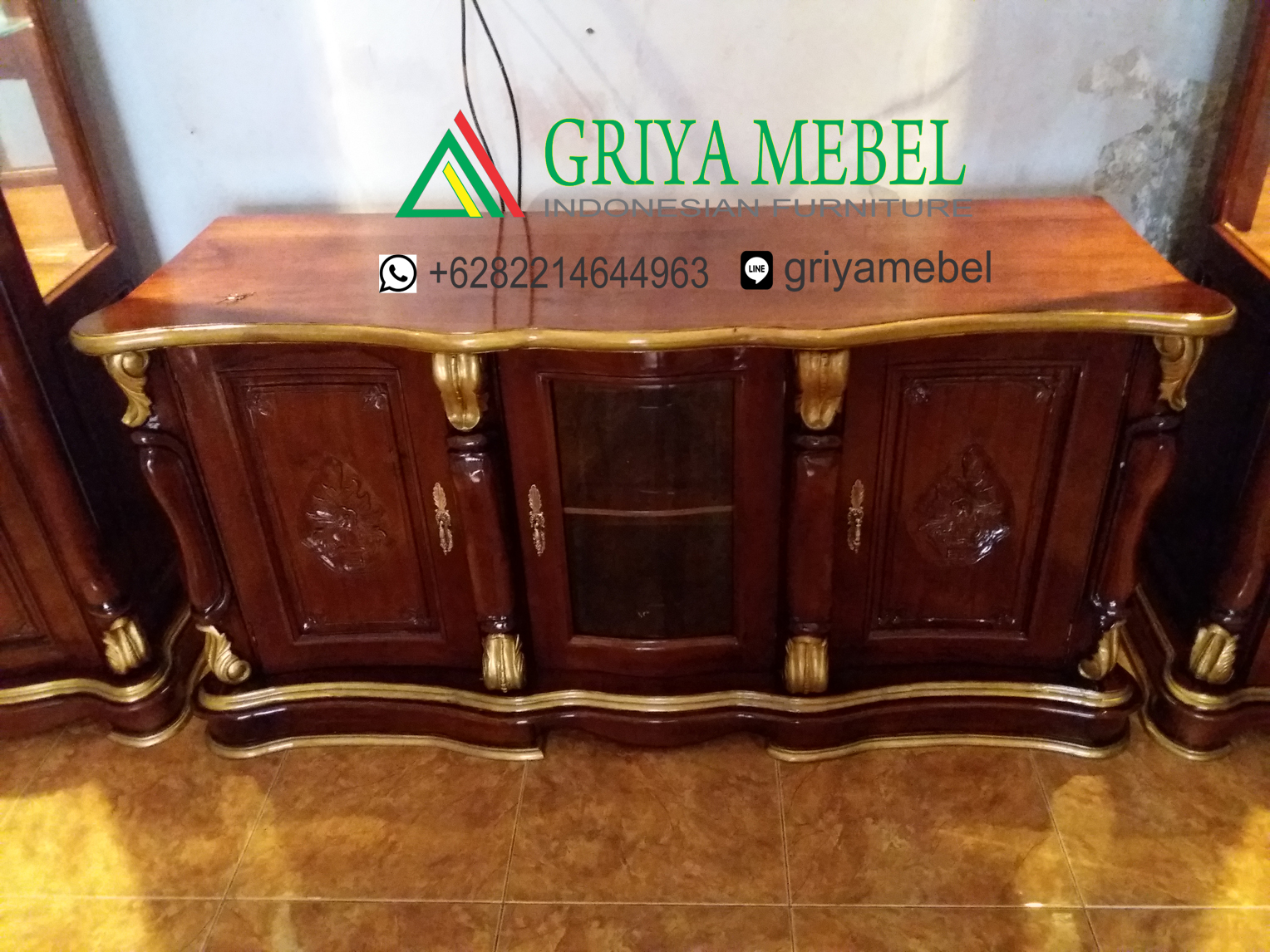 Buffet Tv Hias Klasik Jati, Buffet Tv, Buffet tv minimalis, buffet tv jati, buffet jati buffet ukiran, buffet tv mewah, mebel jrpara, furniture jepara, mebel jepara, meubel indonesia, indonesian furniture