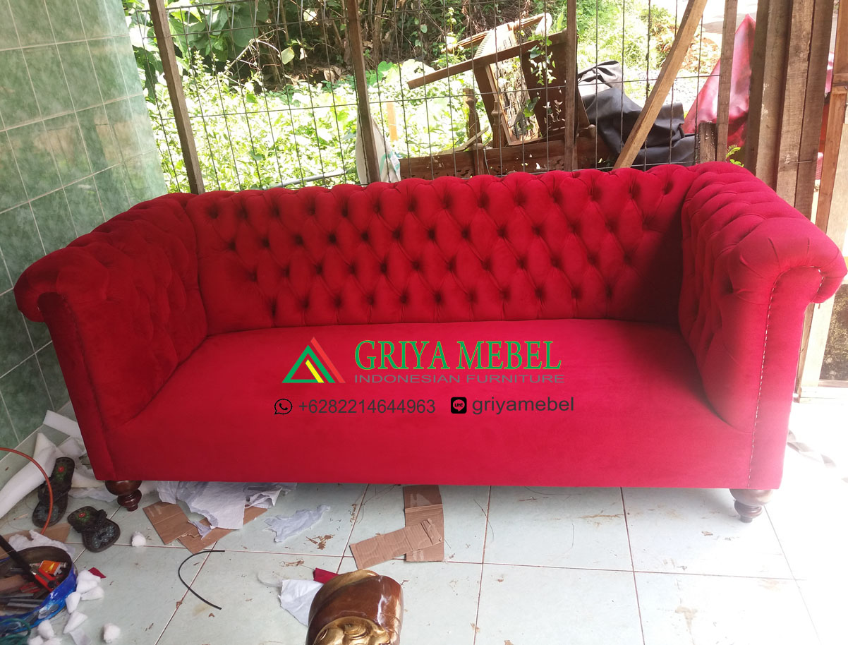 Sofa Chester Murah, desain sofa terbaru, desain sofa mewah, desain sofa santai, sofa terbaru 2017, sofa mewah, ukuran sofa chesterfield, harga sofa chesterfield, sofa chesterfield murah, sofa chester terbaru, sofa chester jati, sofa jati, sofa klasik, sofa mewah, furniture mewah, furniture terbaru, mebel jepara, furniture jepara, indonesian furniture