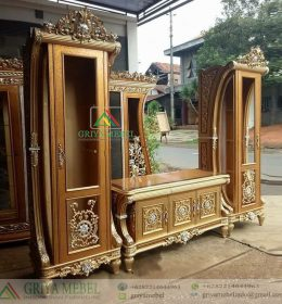 Set Buffet Tv Hias Classic Terbaru, model buffet tv hias jepara, almari tv terbaru, bufet pajangan jati ukiran, buffet royal ukir jepara, bufet luxury classic, set meja tv luxury classic, harga set meja tv classic, gambar meja tv classic terbaru, furniture classic jepara, furniture luxury jepara, mebel klasik jati jepara, almari hias klasik jepara, bufet tv nusantara, bufet tv c jepara, buffet tv ukir classic mewah